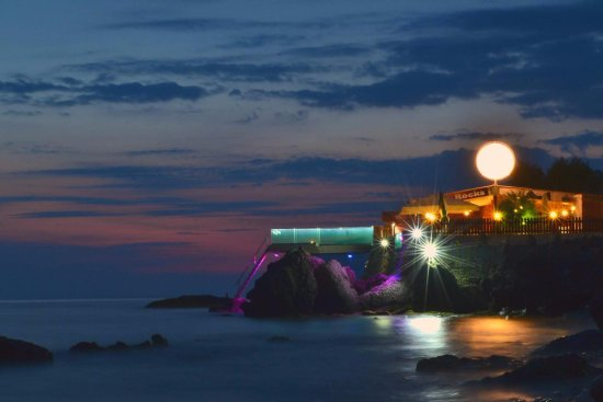 Black Rocks Seaside Restaurant Bar: in the most magical place...