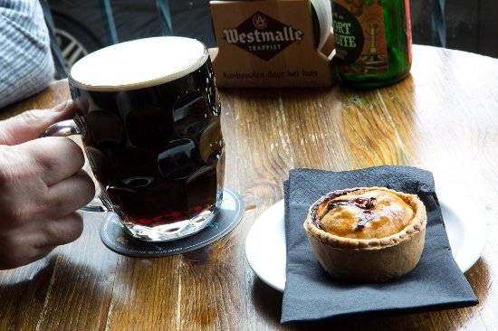 Halifax, UK: Pie with a Beer