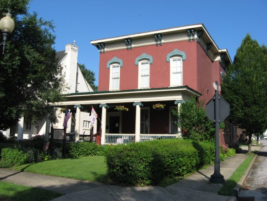 Steubenville, OH: Garrett House 741 N 4th Street, one of our two houses.