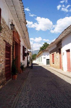 Centro Historico Santa Fe de Antioquia: Una callecita...