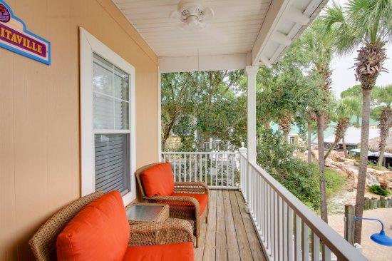 Perdido Key, Flórida: Purple Parrot 1 Bedroom Pool Side Condo   Porch