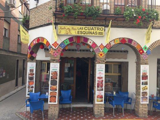Iznajar, Spanyol: Las Cuatro Esquinas Bar