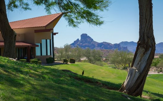 Fountain Hills, AZ: Eagle Mountain Golf Course Clubhouse overlooking the 18th hole and the Inn at Eagle Mountain