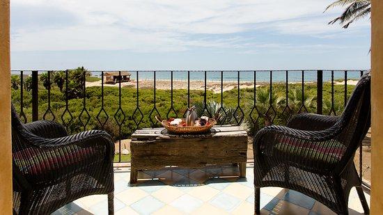 Villa Santa Cruz: Agave Deluxe Suite Balcony (with coffee service)
