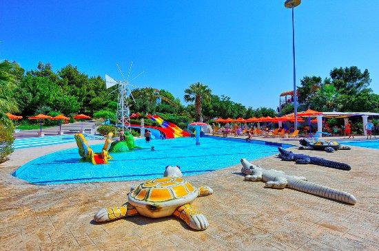 Watercity Waterpark - Sidewinder Boomerango - Picture of ...