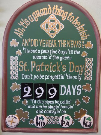 Milford, Делавер: St. Patty's Day display--the numbers are changeable