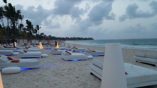 Paradisus Punta Cana Resort: Sunset at the beach