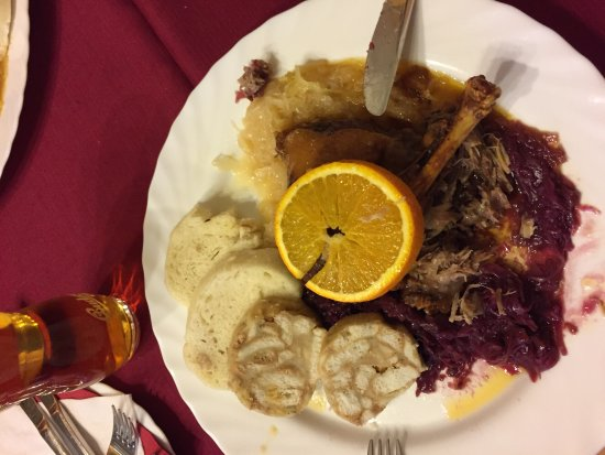 Mikulov, Çek Cumhuriyeti: Kachnička. knedlíčky a zelíčko