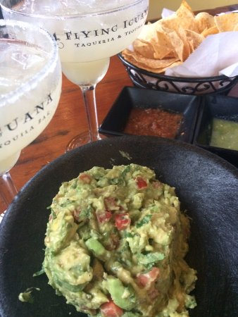 Neptune Beach, FL: The BEST margaritas and guacamole!