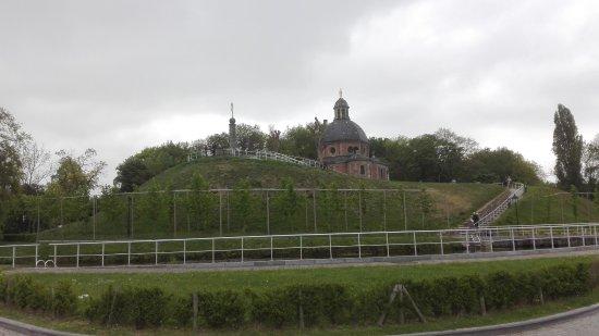 Geraardsbergen, Belgio: Mooi aangelegde wandelsite met oriëntatietafel