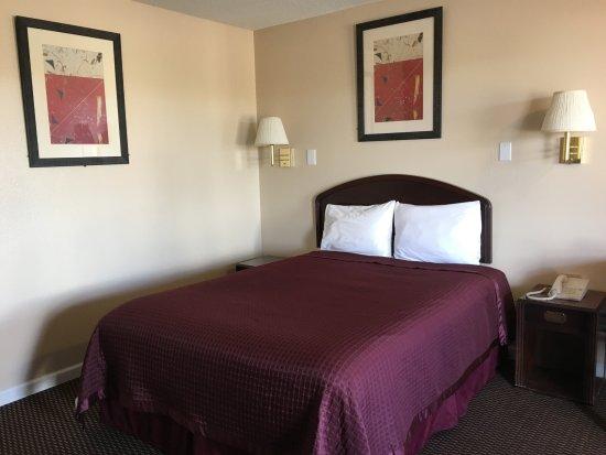 Las Vegas, NM: Standard Queen Room