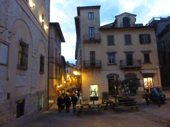 Walking through the narrow streets of Sarteano