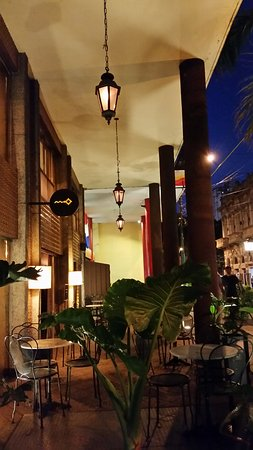 Hotel Chaco: bar do lado de fora