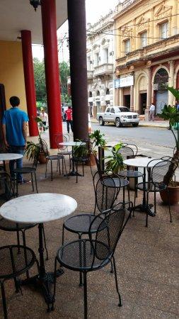 Hotel Chaco: bar no exterior