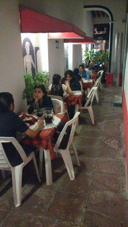 Salón Venecia Ubicado En La Entrada Al Restaurante Para 4