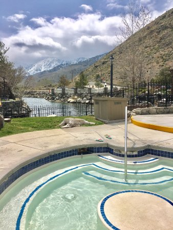 Genoa, NV: Hot Tub