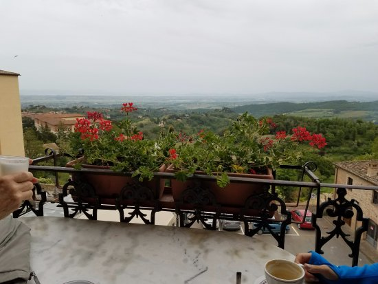 Caffe Poliziano : One table on a small balcony with a spectacular view.