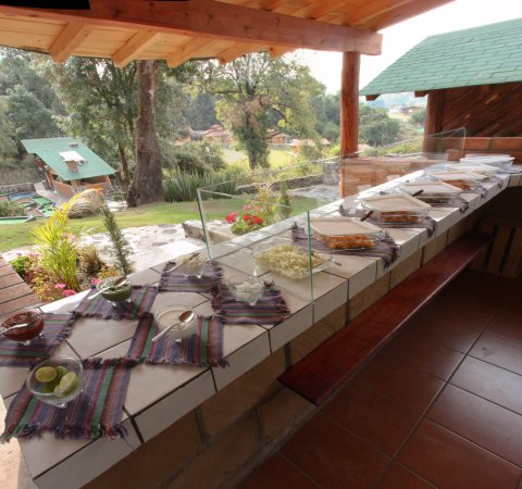 Cabanas El Estribo Hotel: Area de quesadillas hechas a mano