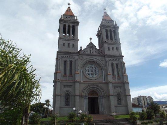 Farroupilha, RS: Exterior frente