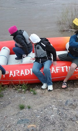 Pray, MT: Getting into the raft.