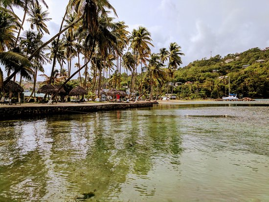 Marigot Beach Club and Dive Resort: the small beach