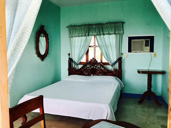 San Andres, Philippines: Detached deluxe room with Aircon, hot & cold shower