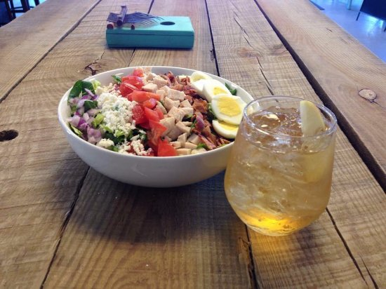 Pace, FL: Cobb Salad and White Sangria