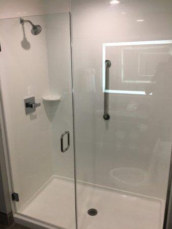 Cleveland, TN: Walk In Shower