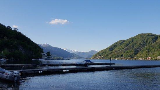 Caroline Hotel Brusimpiano: Lake Lugano