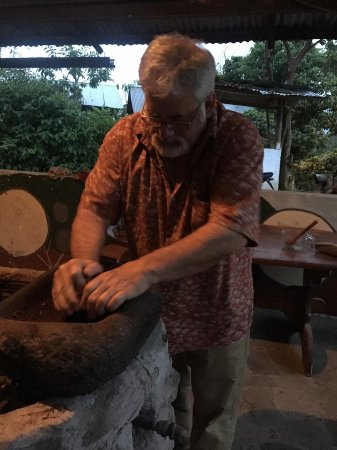 El Quetzal de Mindo Chocolate Tour: Grinding up the roasted cacao beans