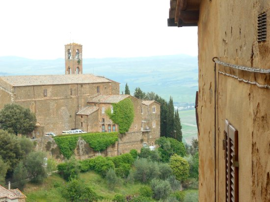 Tuscan Trails: Montalcino
