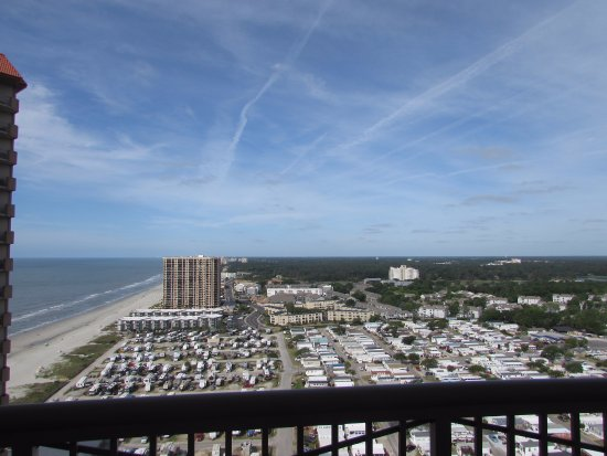 Ocean Creek by Palmetto Vacation Rentals: Sideview of Beach
