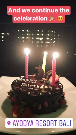 Ayodya Resort Bali: Birthday cake :-)