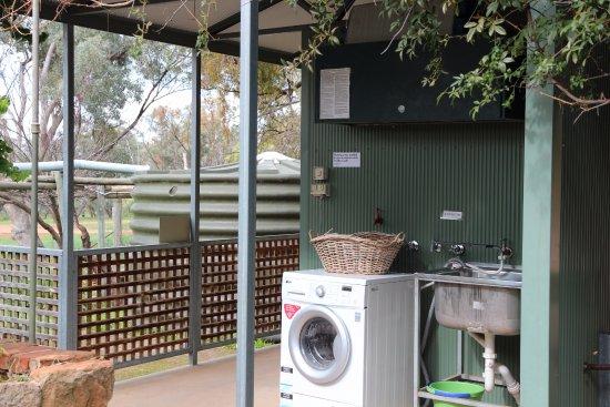 Melrose, Australia: Shared Laundry
