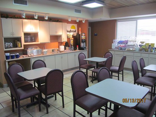 Ridgeland, MS: Breakfast area.