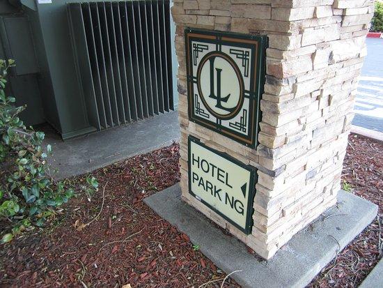 Folsom, CA: parking sign