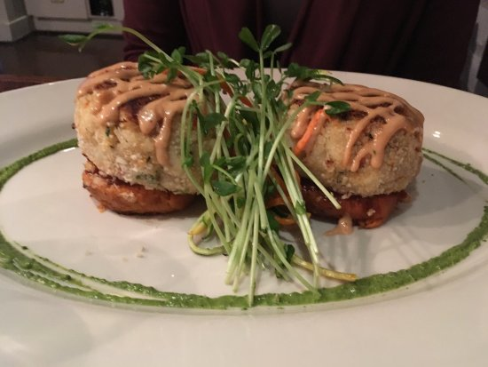 Warrington, PA: crabcakes