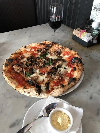 Settebello Pizzeria Napoletana: photo0.jpg