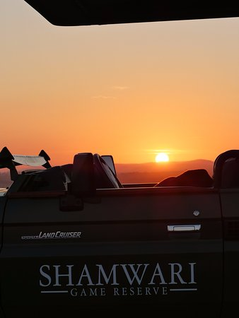 Shamwari Game Reserve Lodges: Nothing quite like Sundowners at the end of the day