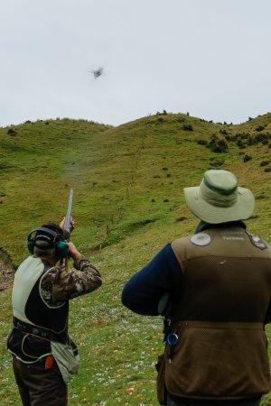 Nelson, New Zealand: breaking clays