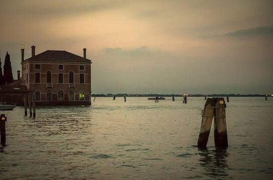 Mystery in Venice: Legends and Ghosts...