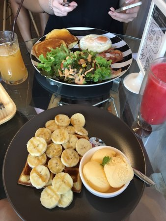 Favourite Bangkok Breakfast Spot!
