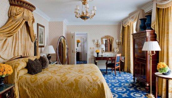 Four Seasons Hotel George V Paris: uno stile classico meraviglioso mobili originale , uno spettacolo relax assicurato