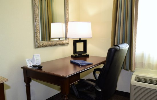 Pierre, Dakota Południowa: In Room Desks