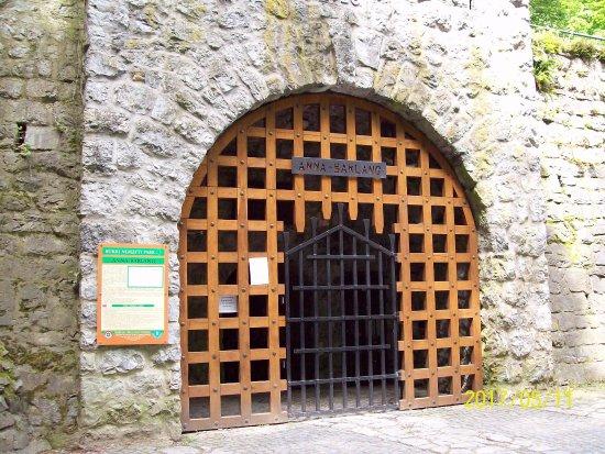 Lillafured, المجر: Anna barlang bejárata