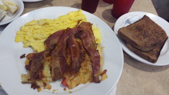 Sunnyside, Nowy Jork: Eggss Applewood Bacon HF_large.jpg