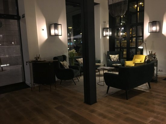 entrance area picture of hotel the serras barcelona. Black Bedroom Furniture Sets. Home Design Ideas