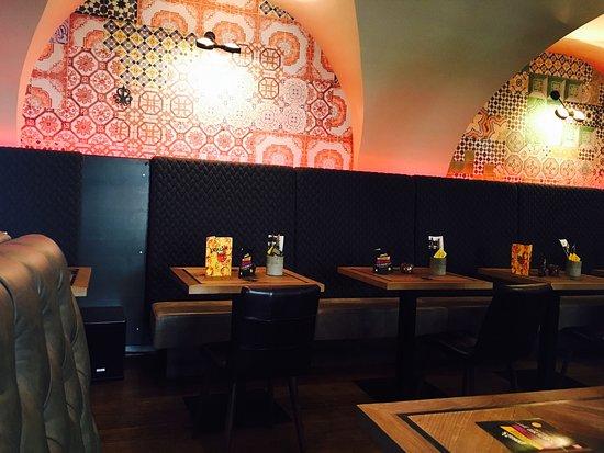 Chilli Con Krake Brot Auf Stein Picture Of Paul S Kuche Bar