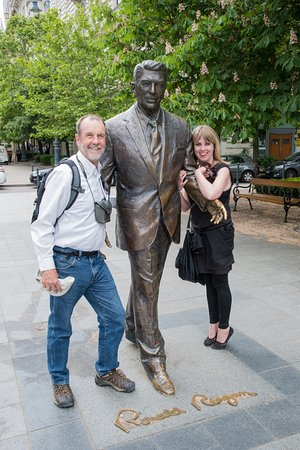 Julia Kravianszky Tour Guide