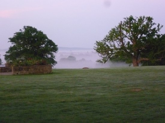 Lower Beeding, UK: early morning mist